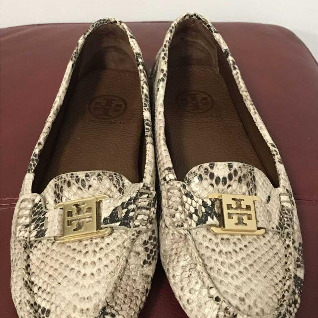 2710efbde2c7 Find more Authentic Tory Burch Snakeskin Leather Flats Shoes Size 8 ...