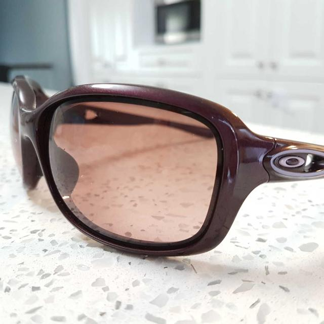 a9aa234cfc6 Find more Women s Oakleys  urgency  for sale at up to 90% off ...