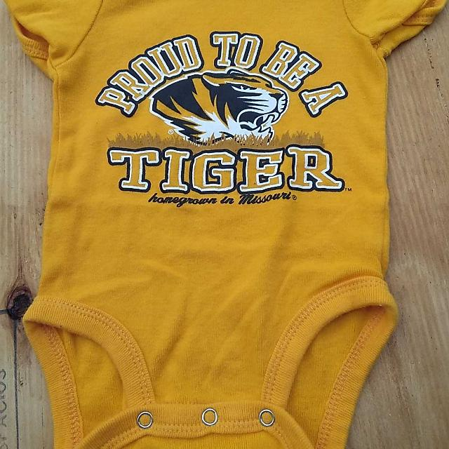b93c911da Find more ☀☀ Like New Mizzou Onesie Sz 0-3 Mo for sale at up to 90 ...