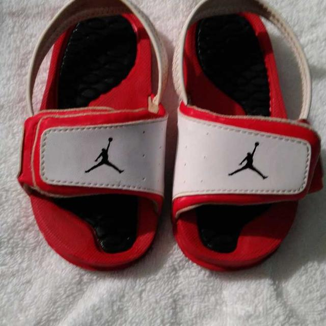 2920230e3 Find more Toddler Boy Jordan Slides Size 7 for sale at up to 90% off
