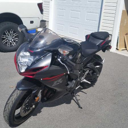 Used, 2012 Suzuki GSX-R600 with gear for sale  Canada