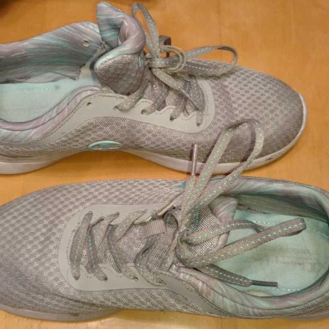 9065961a3b4 Find more Champion Memory Foam Shoes Sz 10 for sale at up to 90% off