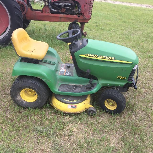 John Deere Lt155 Lawn Mower
