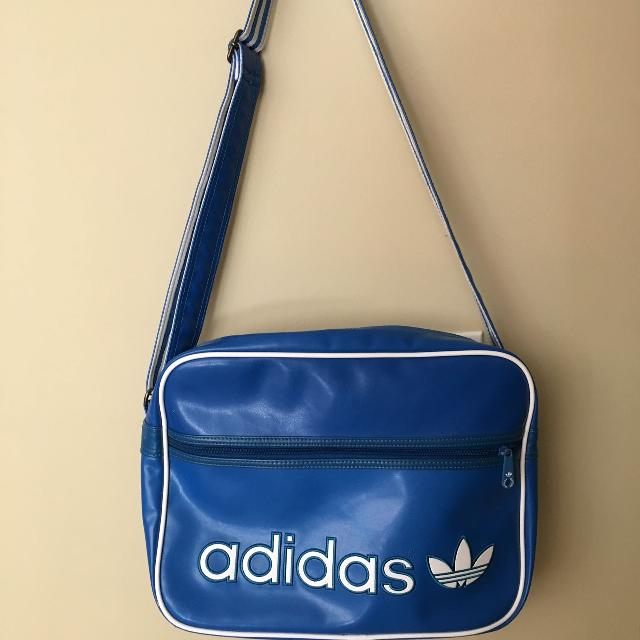 b37caeda58ca Find more Vintage Adidas Airliner Bag for sale at up to 90% off