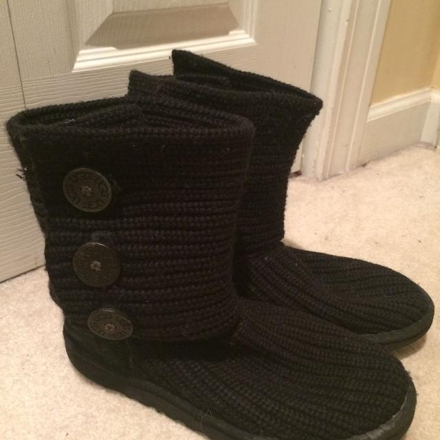81ee7af2353 UGG Classic Cardy Knit Sweater Boots in Black size 9