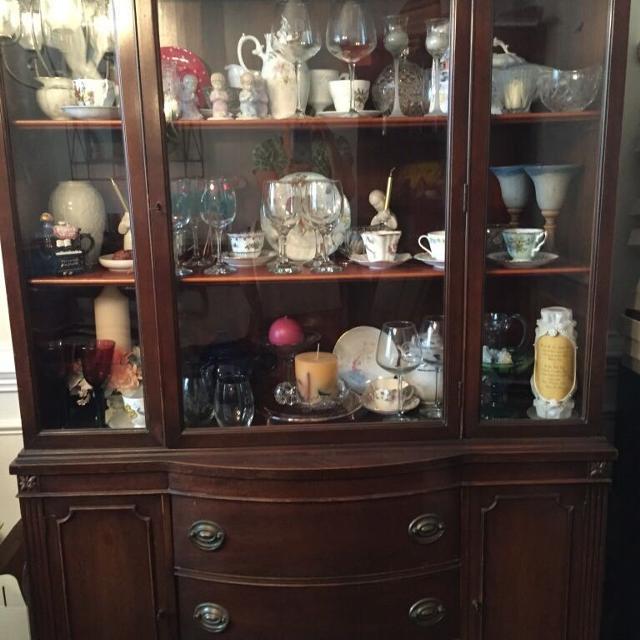 Antique mahogany China Cabinet and matching antique mahogany table - Best Antique Mahogany China Cabinet And Matching Antique Mahogany
