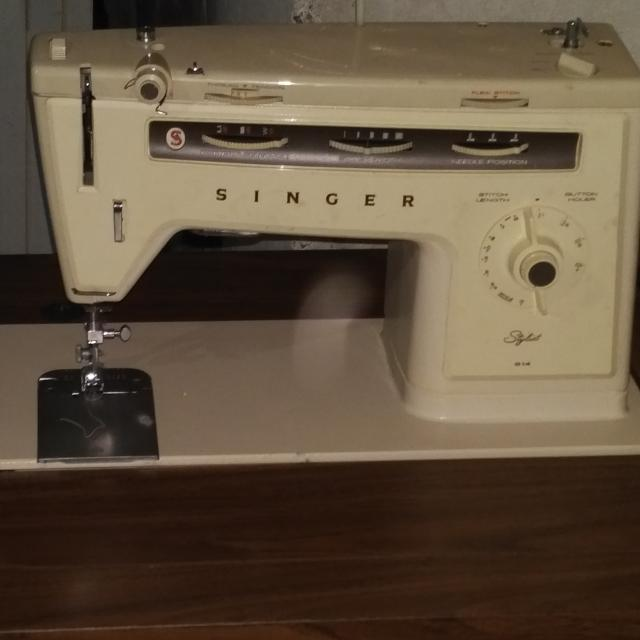 Best Old School Singer Sewing Machine For Sale In Brampton Ontario Amazing Old Sewing Machines For Sale