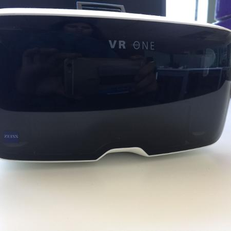 VIRTUAL REALITY HEADSET Zeiss VR One..., used for sale  Canada