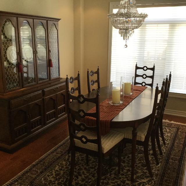 Solid Mahogany Knechtel Dining Room Set