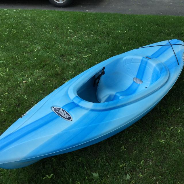 Kayak - Pelican Pursuit 80 - 8 foot kayak