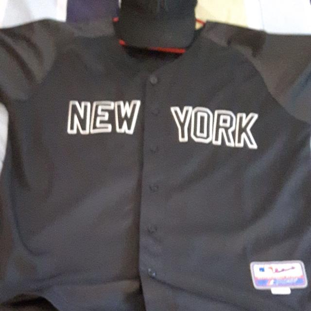 new concept 8ad38 ca50d Large New York Yankees #2 Derek Jeter jersey + Hat. $100 Firm...