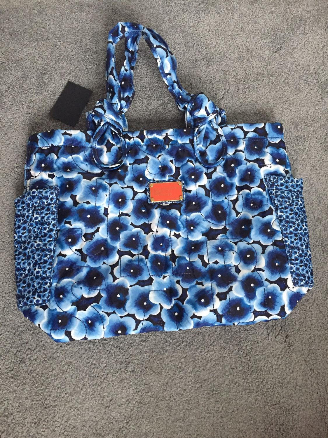 09beec7cd1 Best New Nwt Marc By Marc Jacobs Blue Floral Medium Pretty Nylon Shoulder Tote  Bag $100 for sale in Vancouver, British Columbia for 2019