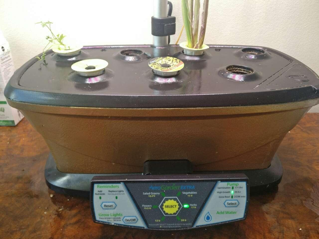 Find more Hydroponics Miracle-gro Aerogarden Extra (led) for sale at ...