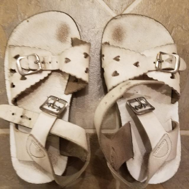 ec9325f60 Find more Play Condition.....size 10 Sun Sans Sweetheart Sandals for ...