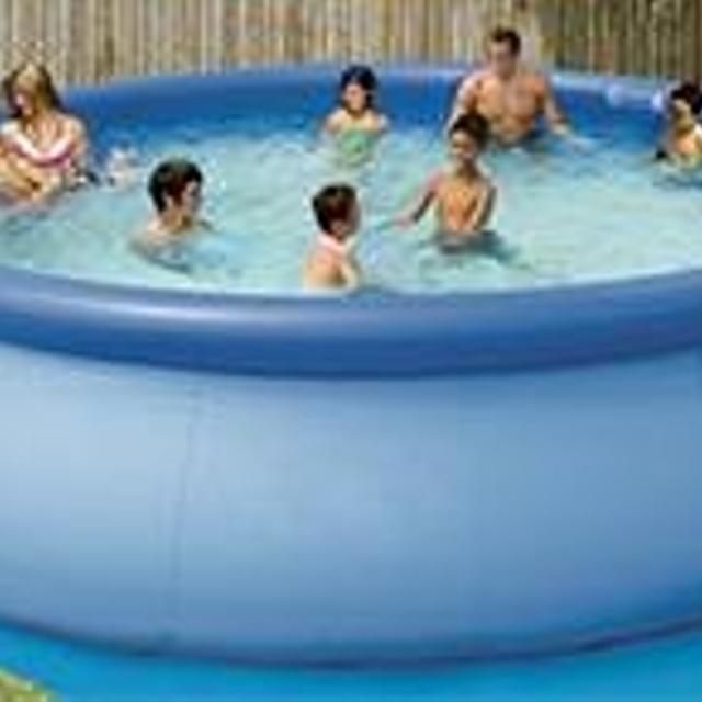 18 x 28 Intex Easy Set pool