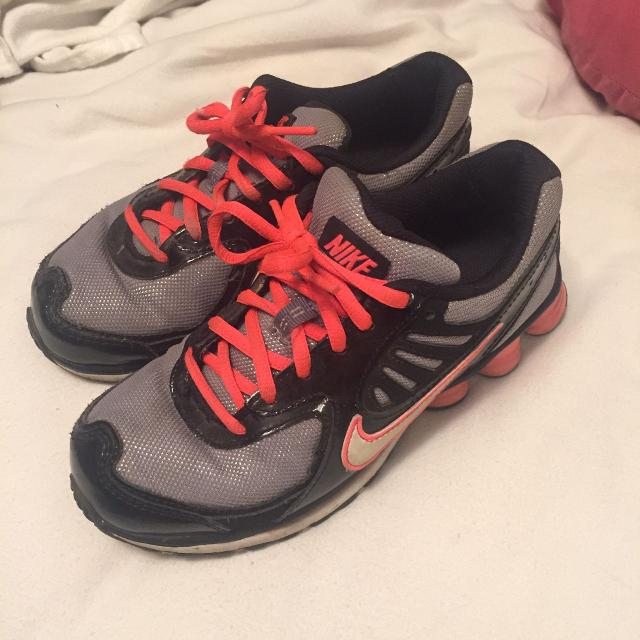 new styles 3f46e 993ee Best Nike Shox With Glow-in-the-dark Swish Sz 6 for sale in Victoria, British  Columbia for 2019