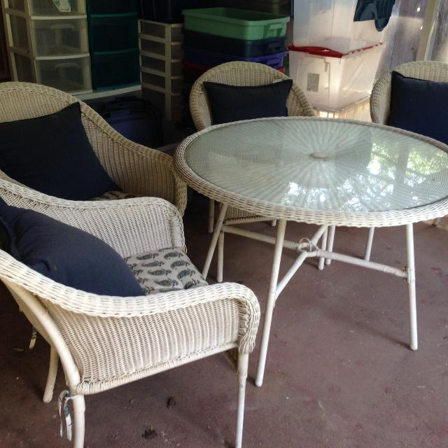 Find More Pending Pickup Patio Table Amp 4 Chairs For Sale