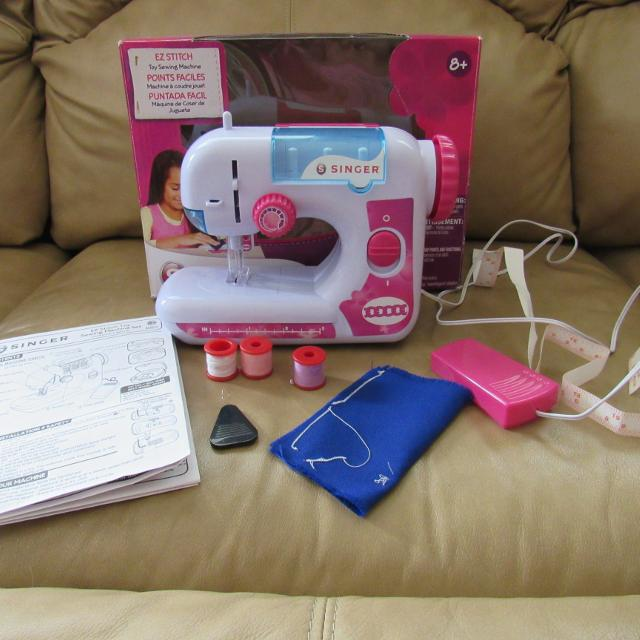 Find More Singer Ez Stitch Toy Sewing Machinewith Batteries And All Amazing Singer Ez Stitch Toy Sewing Machine