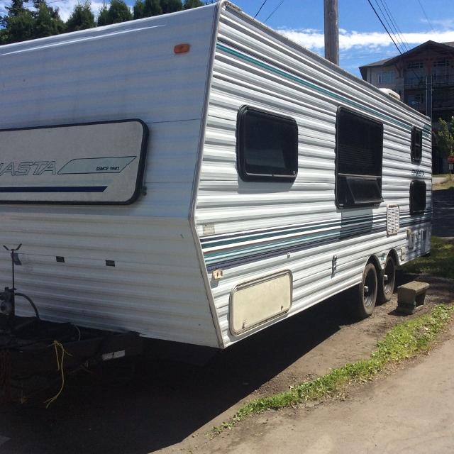 24' Shasta travel trailer