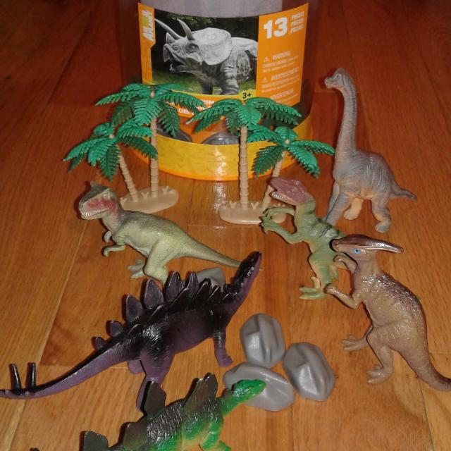 Best Animal Planet Dinosaur Set From Toys R Us For Sale In Ottawa
