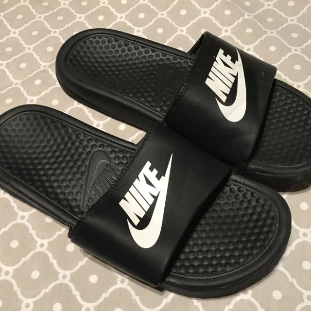 274d2b4ee643be Find more Good Condition Nike Slides Size 6 for sale at up to 90% off