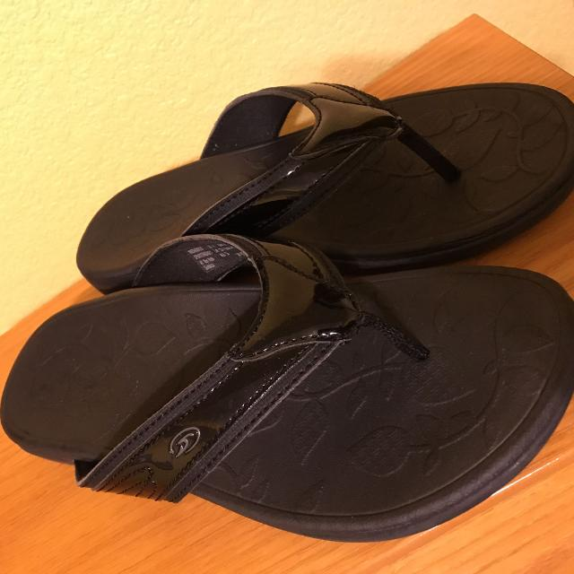 235ca9ae75b3 Find more Dr. Scholl s Advanced Comfort Collection Sandals for sale ...