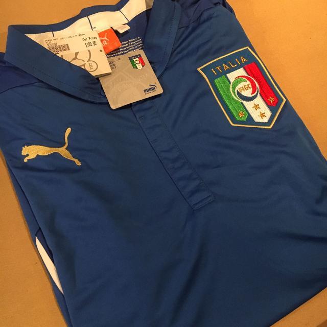 buy online 161dd d35ee Italy soccer jersey (brand new)