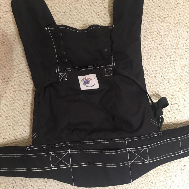 ergobaby black sport carrier