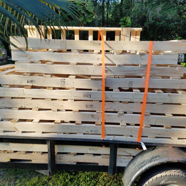 New wood pallets  No bugs no dirt  Long sizes make excellent tables and  couches