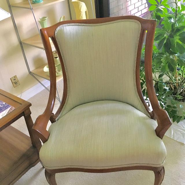 French Provincial Chair >> Best 2 French Provincial Chairs For Sale In Yorkville Ontario For 2019