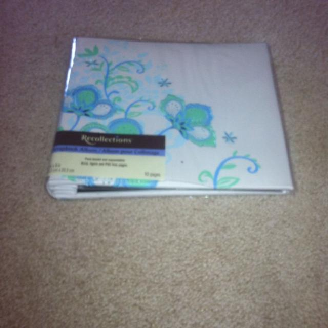 Best 8x8 Recollections Scrapbook Album Never Been Used 400 For