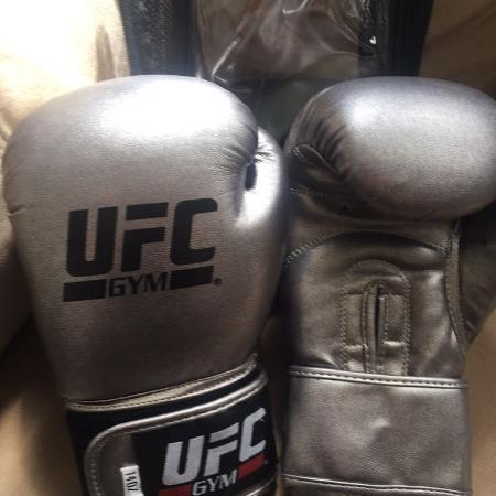 UFC Boxing Gloves, used for sale  Canada