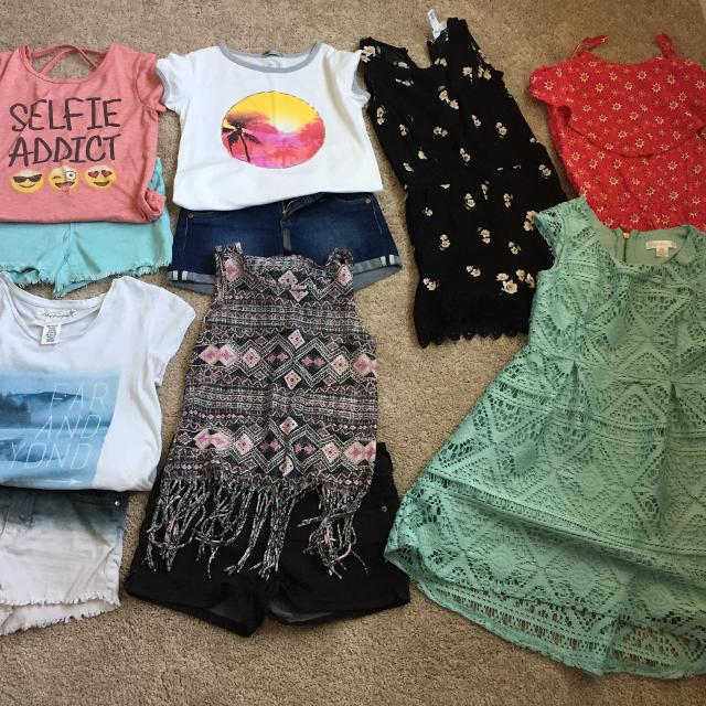 1b4e6a750add3 Find more Girls Clothing Size Small (7-. Tillys, H & M And Target ...