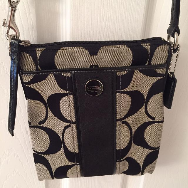 Find more New Condition Authentic Coach Sling Purse. Price Drop ... f706cb6c2c2ae