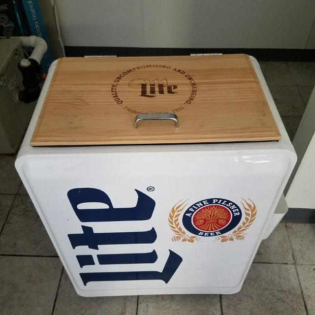 Miller Lite Cooler With Wheels