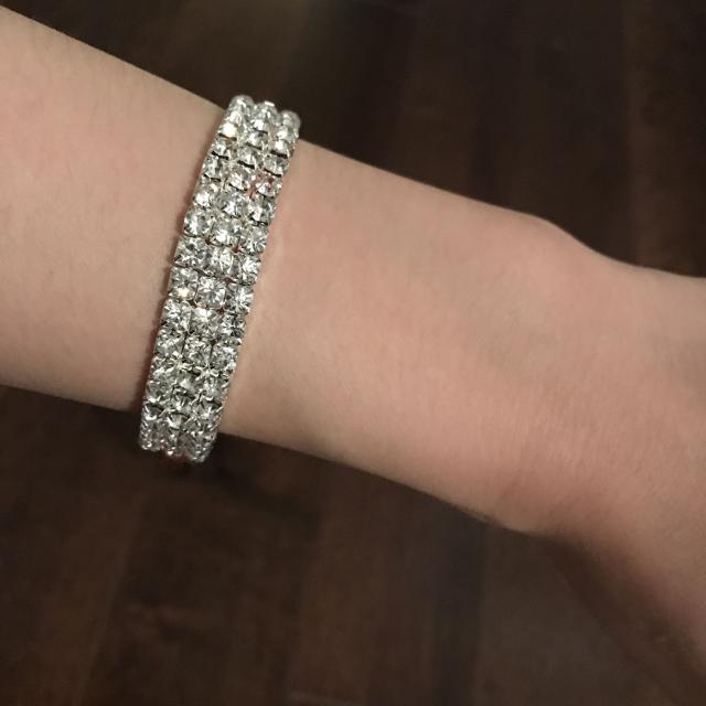 5b5503c35277f Fake diamond bracelet