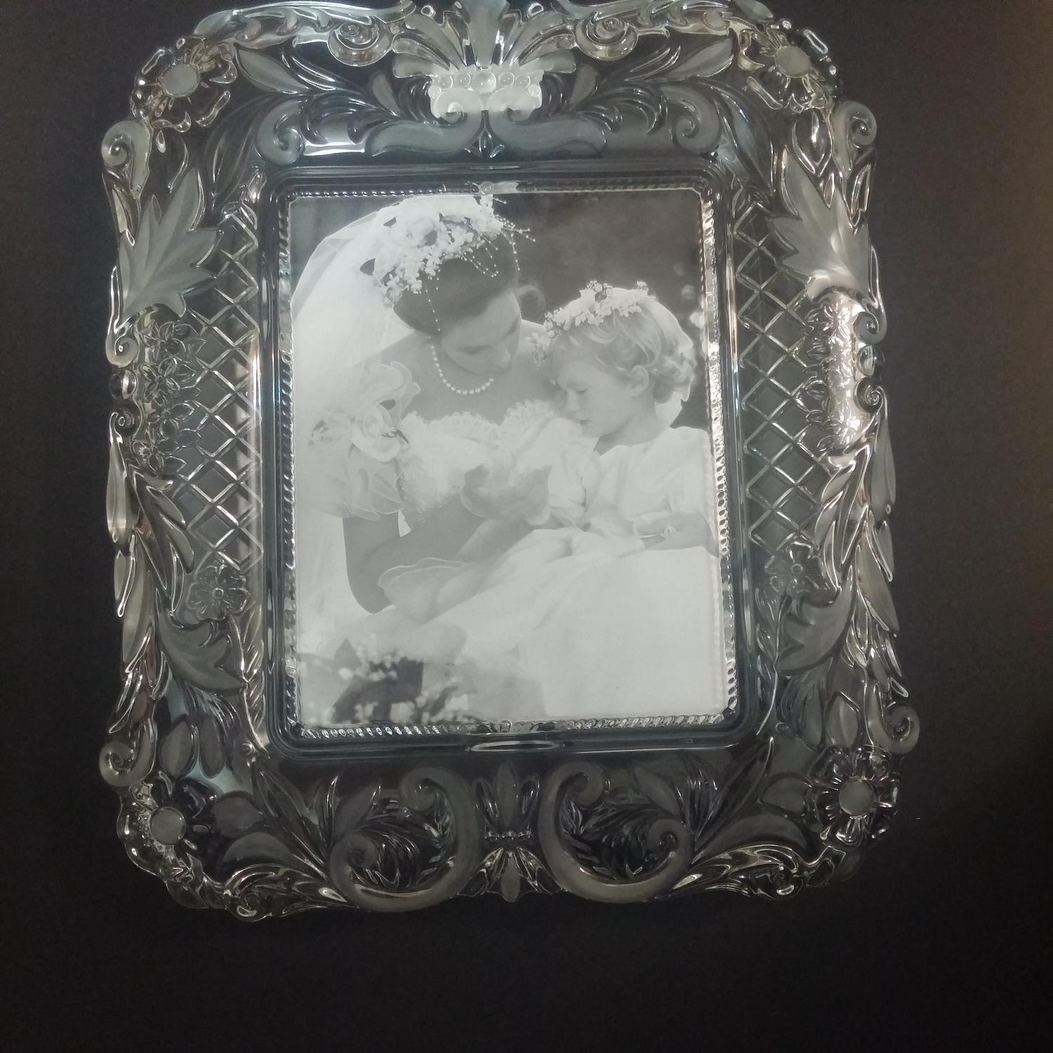 Best Mikasa Timeless Love 7x9 Crystal Frame For Sale In Oshawa