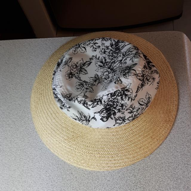 36effa011349a Best Free With Purchase Of 5.00 Or More. Euc Liz Claiborne Straw cloth Sun  Hat. Size Medium for sale in Clarington