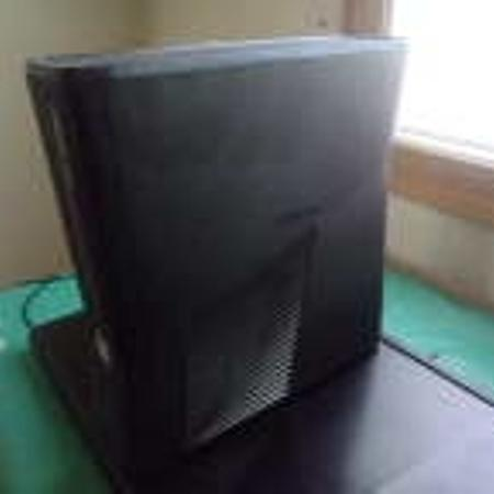 Xbox 360 4gb system w/ all the wires... for sale  Canada