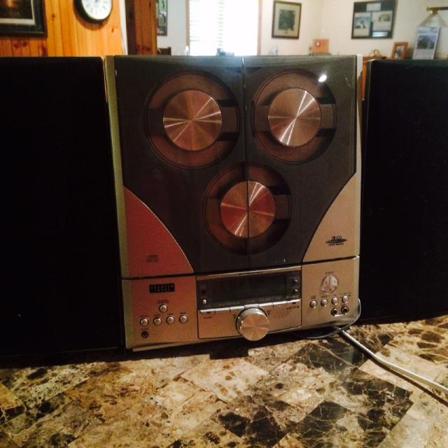 Best Sharper Image 3 Cd Player With Speakers For Sale In Rochelle