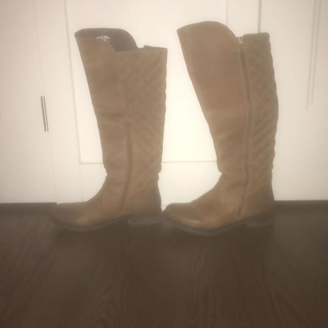 63e82d1e633 Steve Madden size 5.5 genuine leather boots