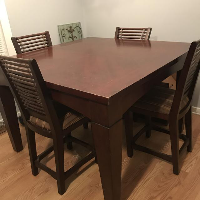 Counter Height Pub Style Table Seats 8 Comes With 4 Chairs