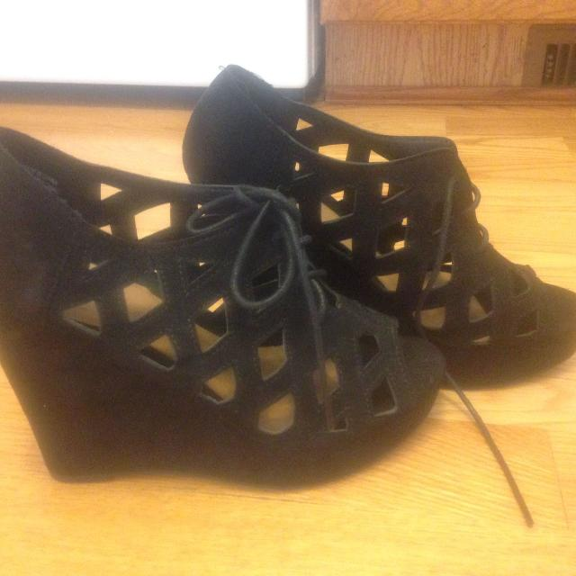 440dfad4df88 Best Black Suede Look Lace-up Wedge Heel Sandals Shoes Size 9a for sale in  Calgary