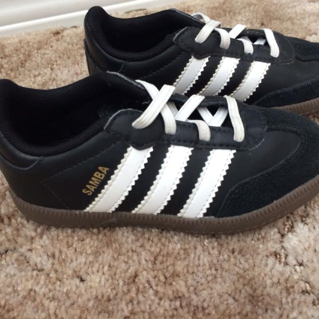 Adidas Samba Toddler indoor soccer shoes-worn once Size 9 (gender