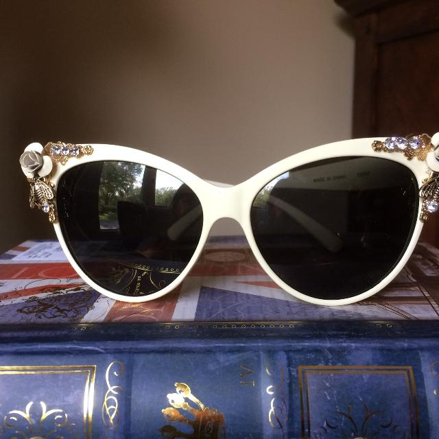 4b828773fd0 Find more New Price!! Brand New Light Cream Coloured Vintage Style ...