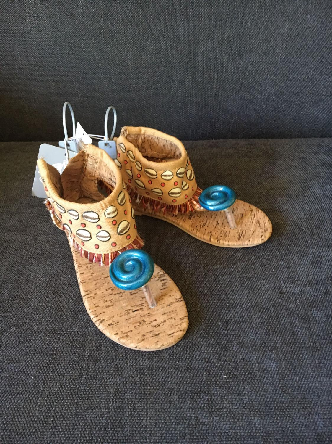 246058cc89738d Find more Moana Sandals for sale at up to 90% off