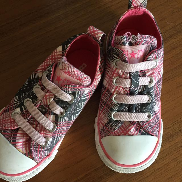 338cb5c13eb4 Find more Nwot Size 7 Converse All Star - Size 7 Toddler Girl for ...