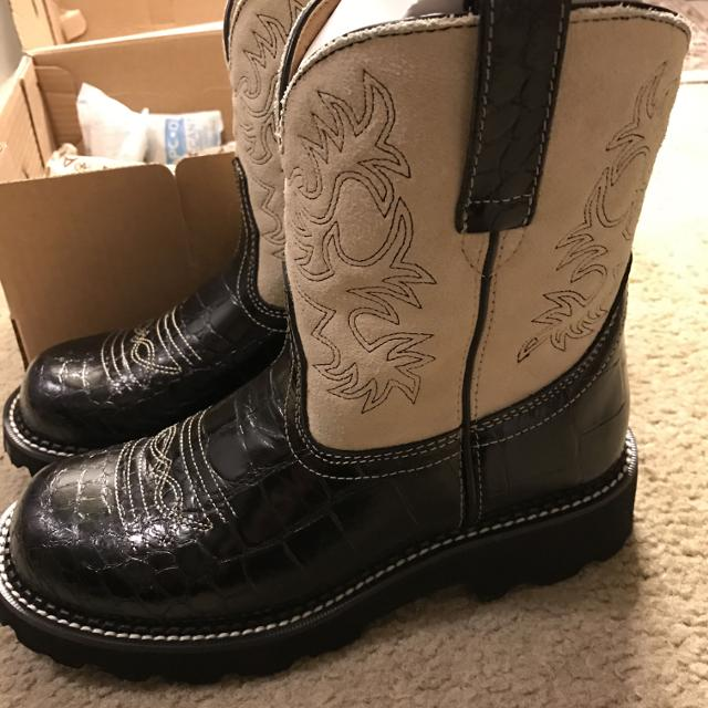 f85851528ca81 New Ariat Fatbaby Boots