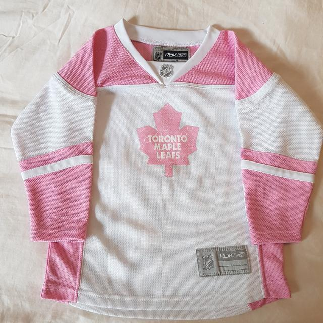 68dd7cacdda Find more 3t Girls Toronto Maple Leafs Jersey for sale at up to 90% off
