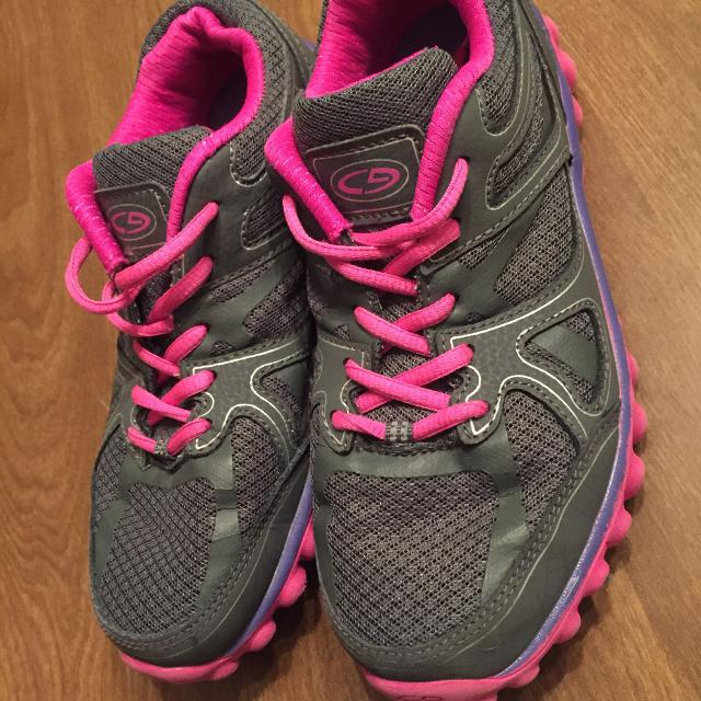f3ba5cc4c81 Find more Girls Champion Tennis Shoes-size 4 for sale at up to 90% off